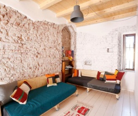 Cozy apartment next to Rho Fiera Milano with private Parking