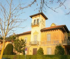 Villa in Angera (Lago Maggiore)