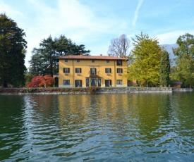 Annone di Brianza Villa Sleeps 18 Pool Air Con WiFi