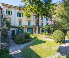 Il Batti apartment water front and private beach