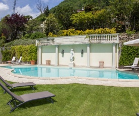 Argegno Villa Sleeps 13 Pool WiFi
