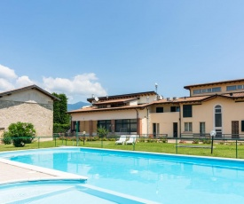 Countryside apartment in Lombardy with pool and garden