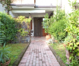 Appartamento con tre piscine Michele Desenzano del Garda