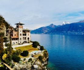 Villa Gaeta luxury apartment sleeps 8 guests