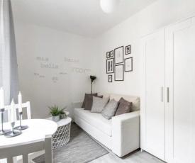 Compact and charming studio Porta Venezia