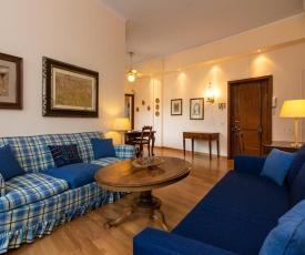 Cozy 2 Bedrooms 500m from Duomo