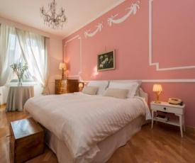 Elegant relaxing apartment