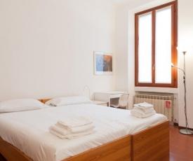GuestHero - Luminoso Appartamento in Porta Romana